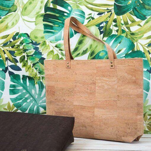 Bolso de tela de corcho hecho a mano tropical