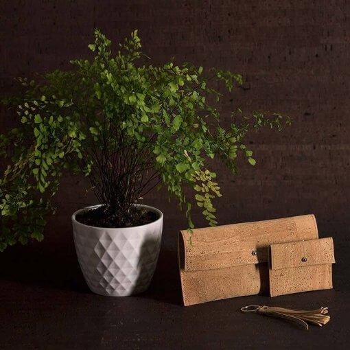llavero sostenible de corcho borla