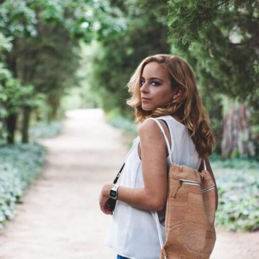 mochila corcho natural minimalista modelo 1