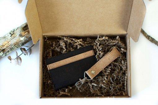 regalos ecológicos para hombres tarjetero llavero corcho