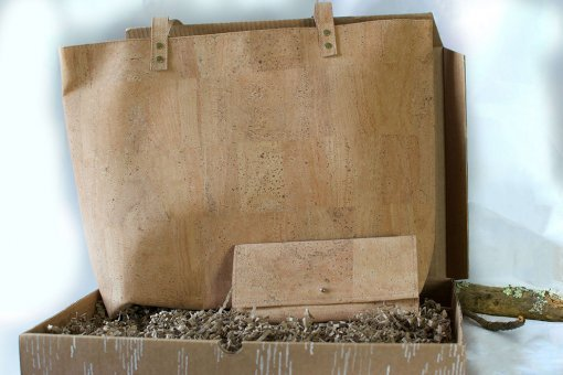sustainable gift pack shopper bag cork wallet